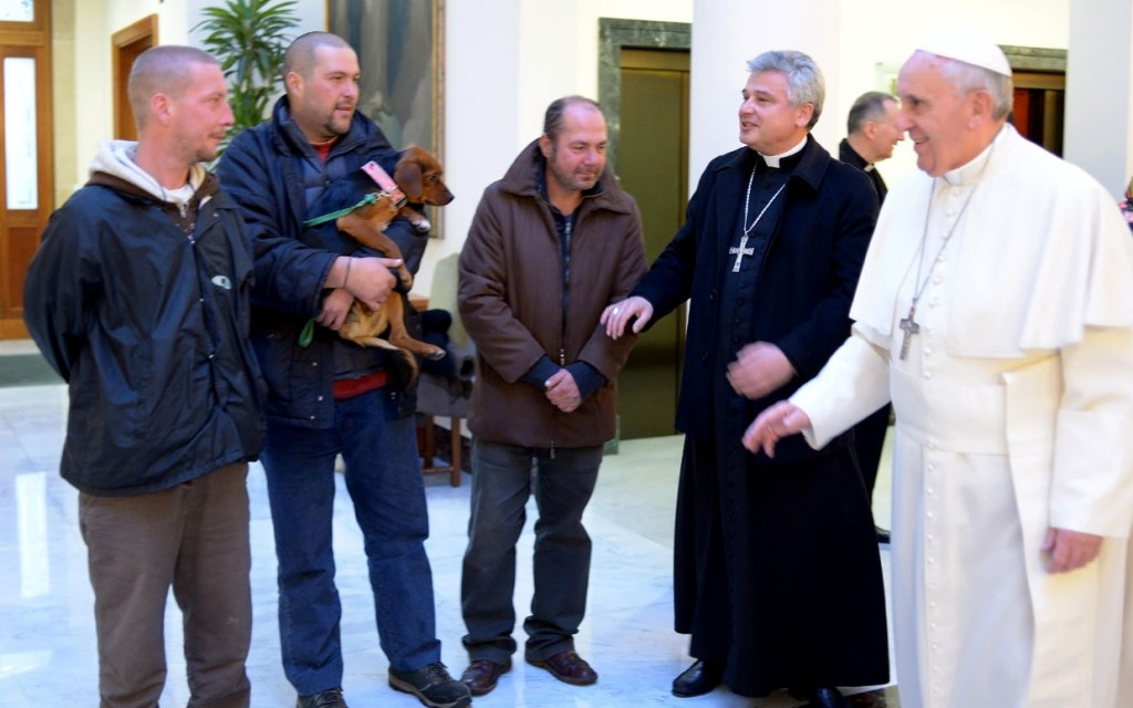 Pope-francis-birthday and 4 homeless-men
