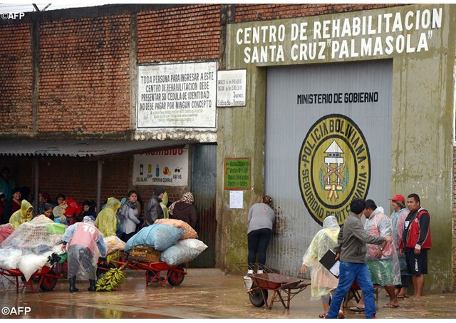 nhà tù Palmasola
