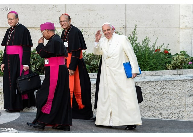 Pope arrived on the last day of Synod 2015