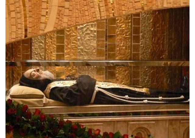 Di hài thánh Piô và Leopoldo Mandic sẽ được đưa về Roma