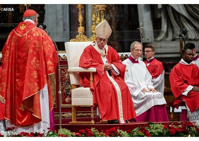 ĐTC Phanxicô chủ sự thánh lễ kính hai thánh Tông Đồ Phêrô Phaolô và làm phép dây Pallium sáng 29-6-2016