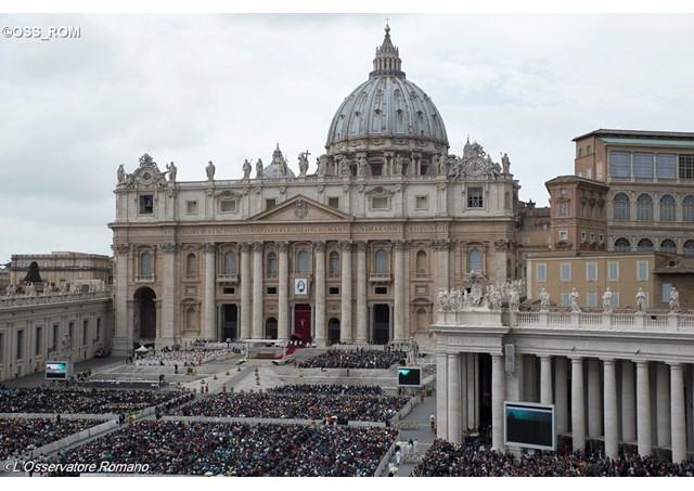 Đức Thánh Cha chủ sự canh thức Thánh Mẫu